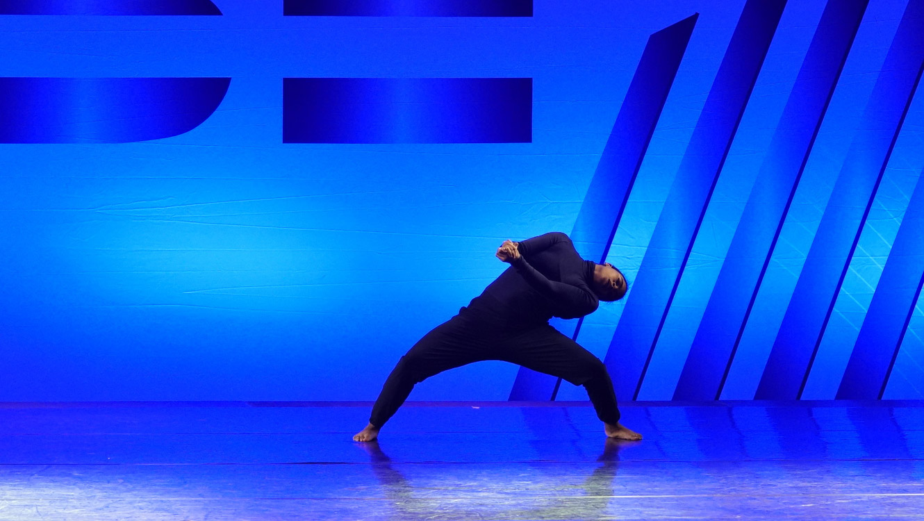 Hollywood Vibe 2021 Teen Female Dancer of the Year Madison Manning - Top Flight Dance Company